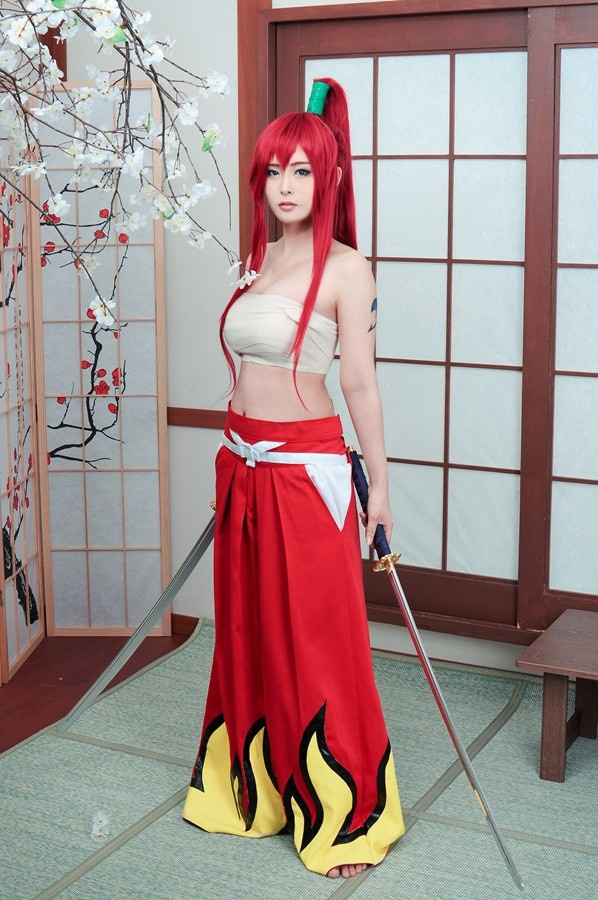 cosplay erza scarlet (fairy tail)